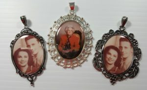 frames-as-pendants-1